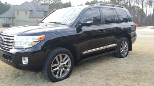 selling my used 2013 toyota land cruiser 2013 toyota. Black Bedroom Furniture Sets. Home Design Ideas