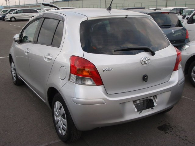 Un -Registerd Toyota Vitz / 2011 Toyota VITZ Sri Lanka Cars For Sale