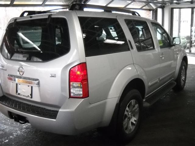selling my 2010 nissan pathfinder se 2010 nissan pathfinder angola cars for sale. Black Bedroom Furniture Sets. Home Design Ideas
