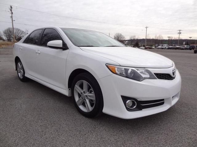 i want to sell my 2013 toyota camry se car full options 2013 toyota camry cars for sale. Black Bedroom Furniture Sets. Home Design Ideas